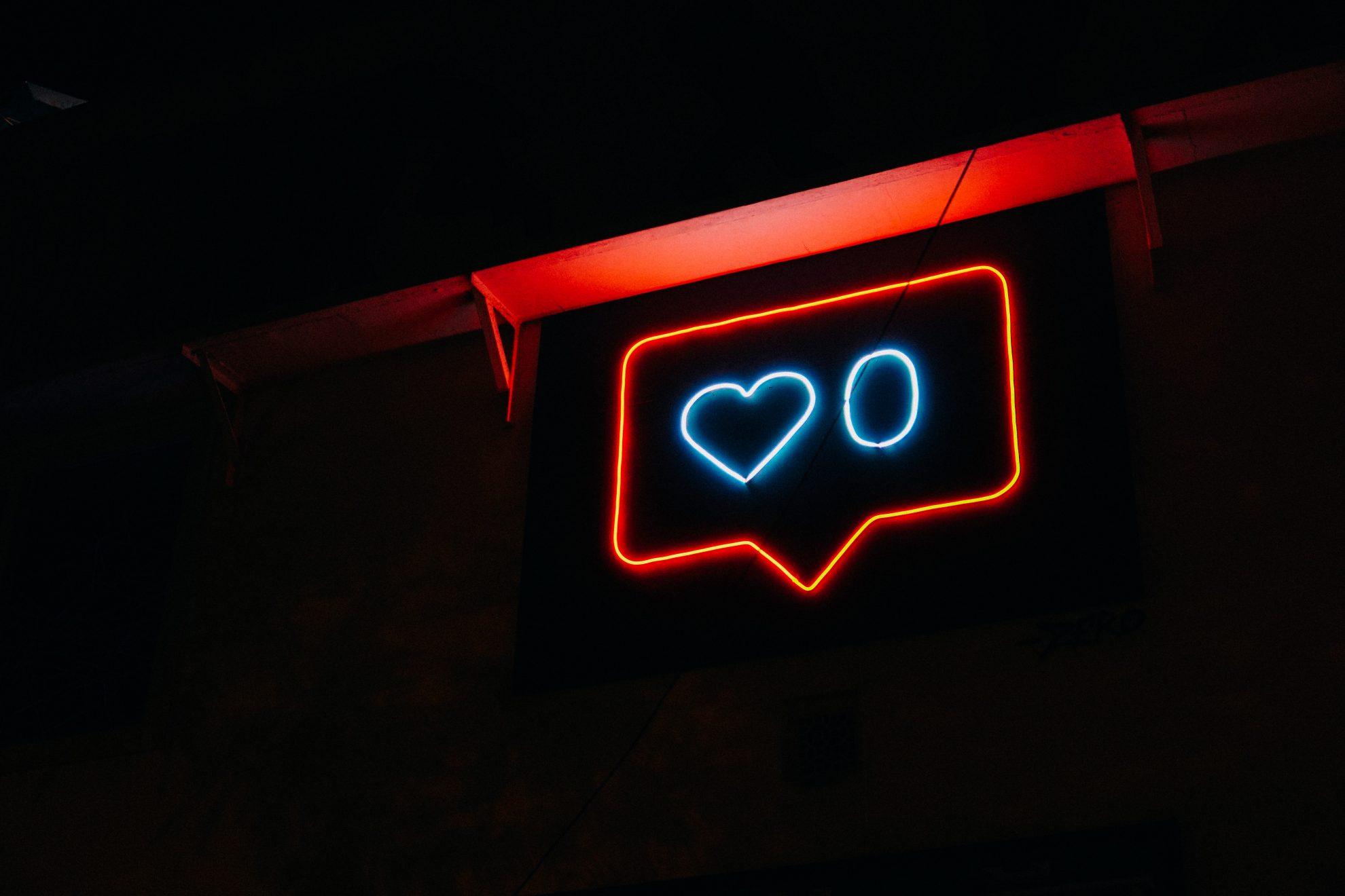 carlos velo psicología prateek katyal adicción redes sociales videojuegos